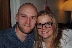 Dinfaster Kamilla og hendes kæreste Christian. Kamilla er social- og sundhedshjælper, og Christian er ved at færdig med sin tømreruddannelse.